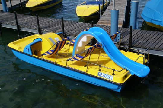 Les Corsaires in Geneva - pedal boat with slide